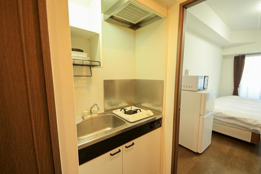 広めのシンクが特徴のキッチン。ガスコンロは一口タイプです