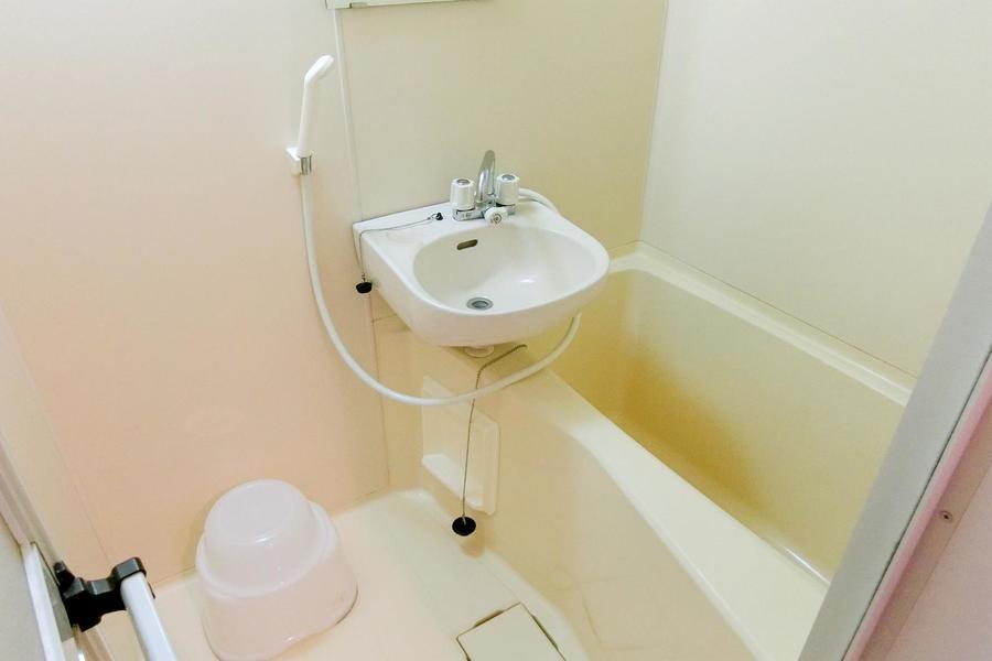 衛生面が気になるお風呂、トイレもセパレート式で安心です