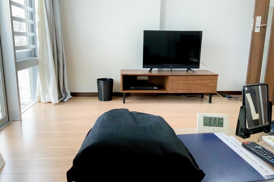 お部屋全体が段差の少ないバリアフリールーム。年配の方にも優しいお部屋です