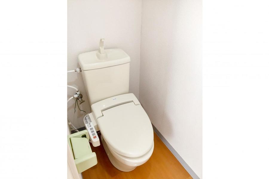 バス・トイレは人気のセパレートタイプ。人気のシャワートイレタイプです