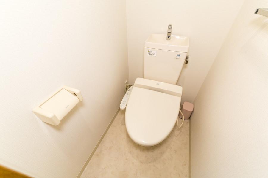清潔感あるお手洗いは人気のシャワートイレ