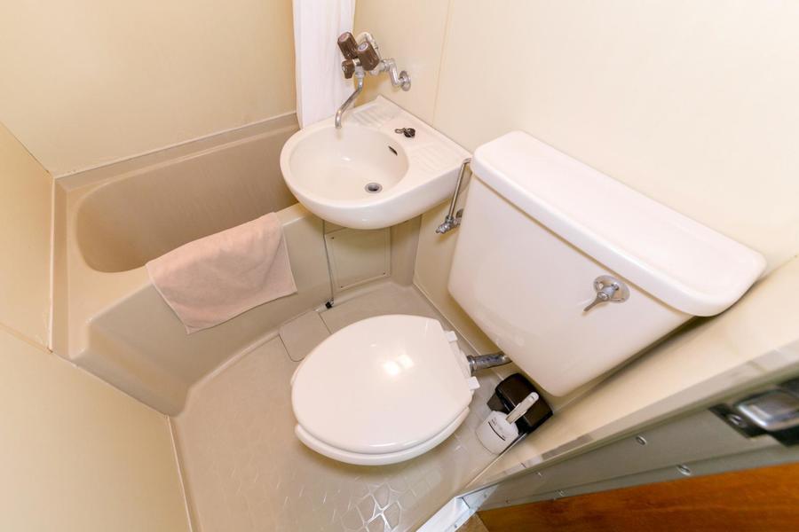 お風呂やトイレなどの水回りは一箇所に集約。お掃除もらくらく!