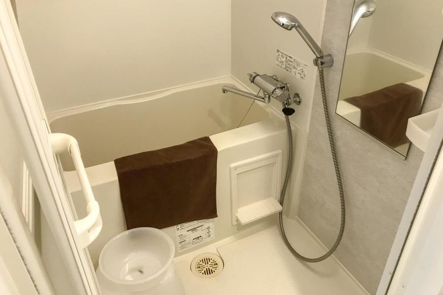 一日の疲れを癒やすバスルーム。お天気を気にせず洗濯物が干せる浴室乾燥機能付きです
