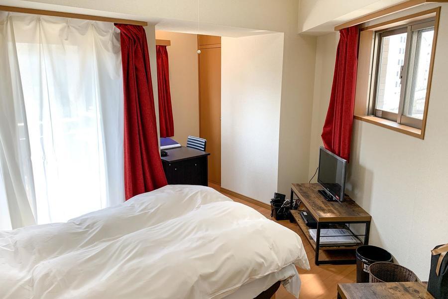三角形をつなげたような変わった間取りのお部屋。普通のお部屋では物足りない方にオススメ!