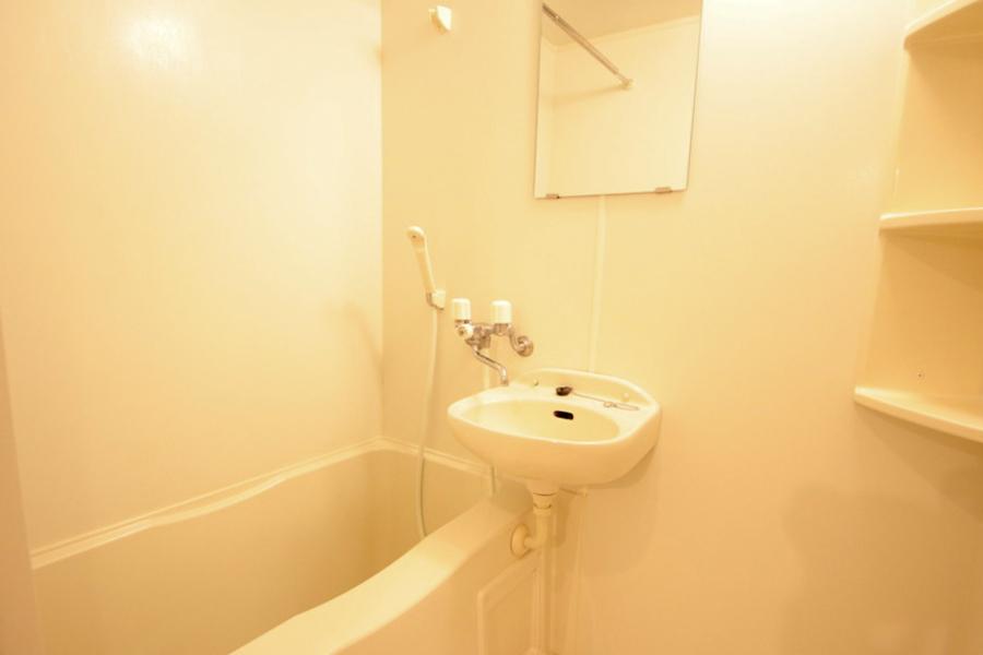 疲れを癒やすバスルーム。嬉しい浴室乾燥機能を搭載しています