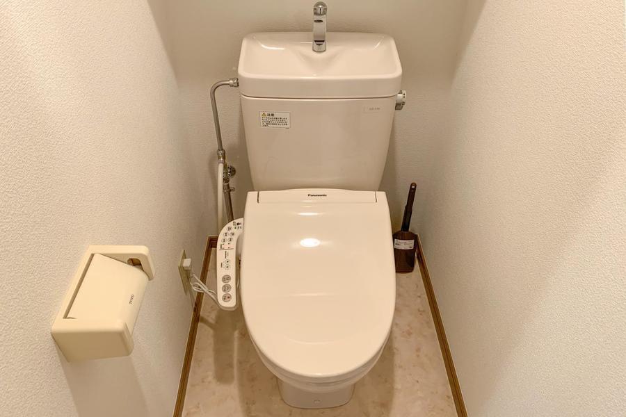 お手洗いは人気のシャワートイレタイプです