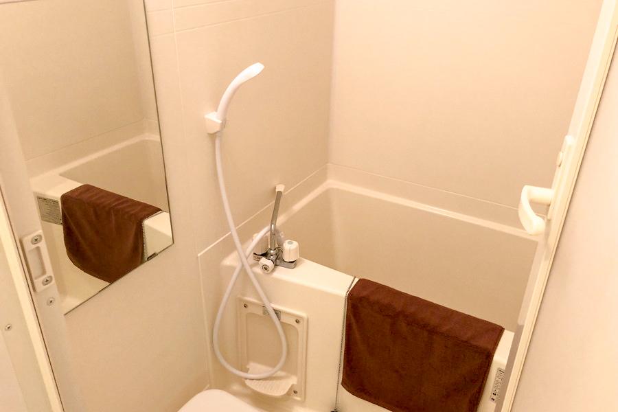 日々の疲れを癒やすバスルーム。嬉しい浴室乾燥機能付きです