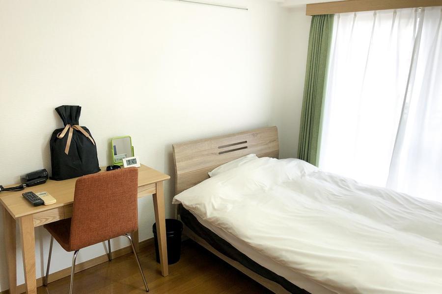 お部屋はフローリングタイプの6帖ルーム。狭すぎず広すぎずのほどよい広さです