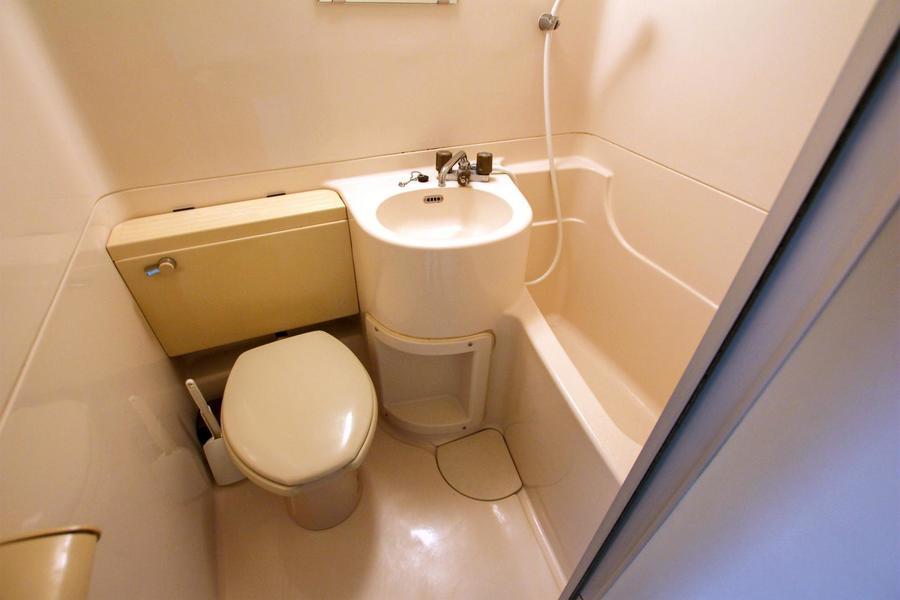 お風呂やトイレなどの水回りは一箇所に集約することでお掃除もラクラク!