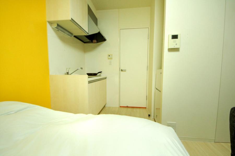 お部屋と廊下の間には仕切り扉を設置。目隠し、室温管理にご利用ください