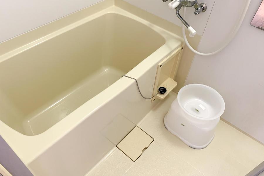 お風呂はゆったりくつろげる広さです