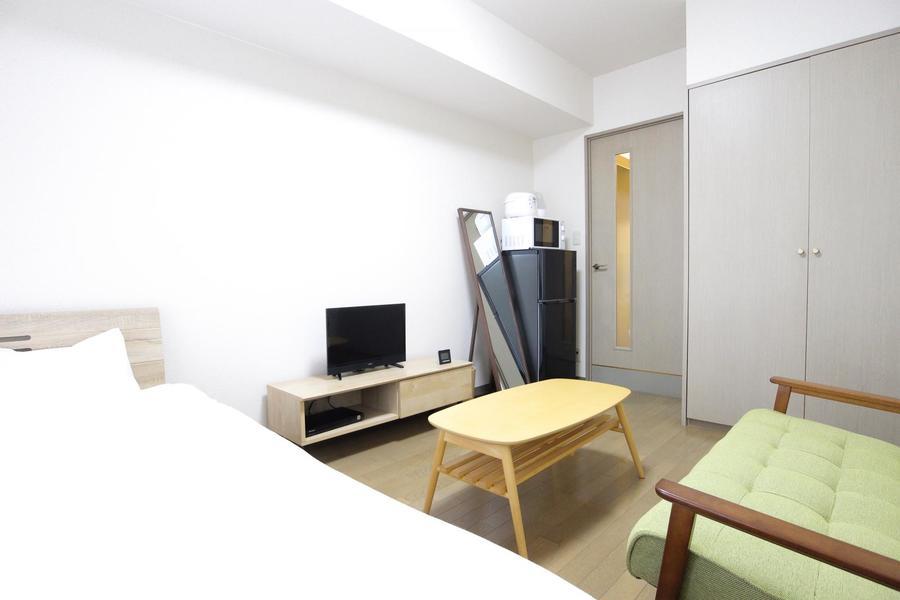テレビや家電、姿見など家具類も使いやすく配置されています