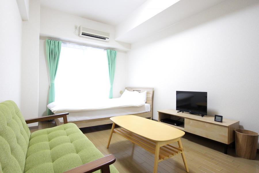 7帖のゆとりあるお部屋。天井も高く開放的な雰囲気です