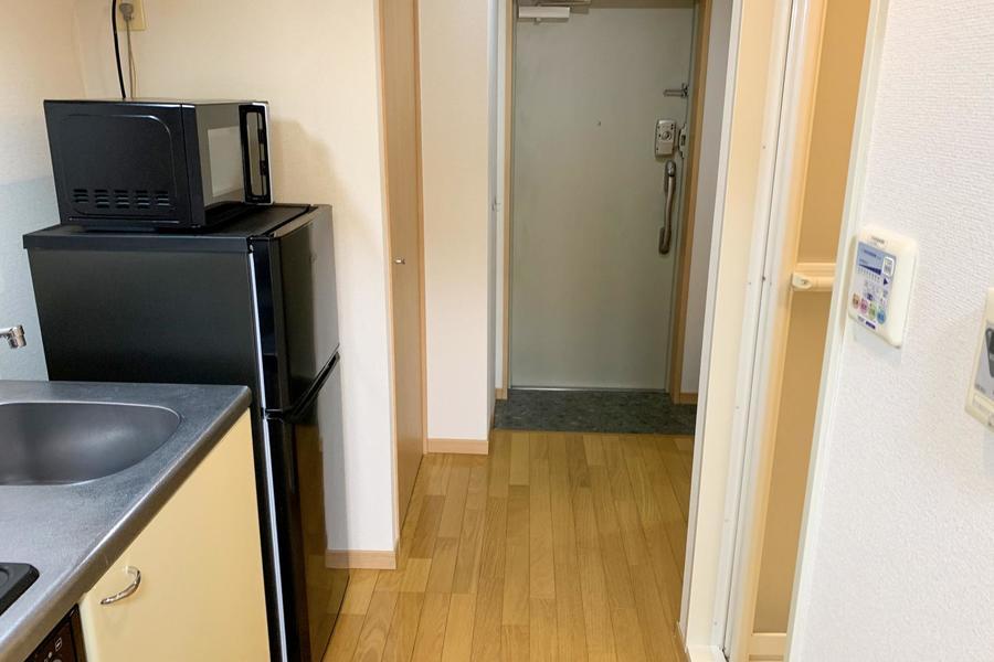 キッチン前の廊下は広さ充分。動きにくさはありません