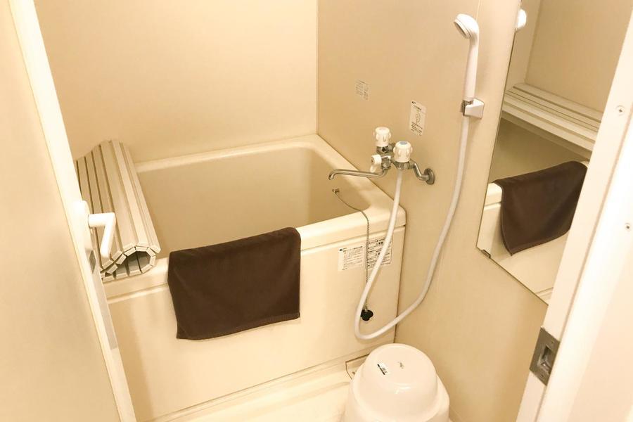 お風呂はコンパクトながら清潔件あふれるくつろぎの空間