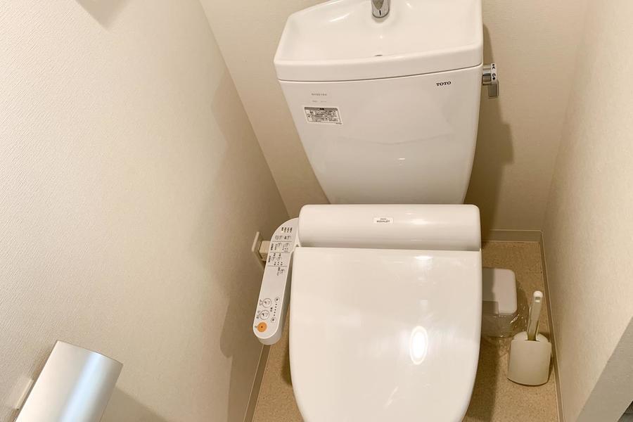 お手洗いはウォシュレットタイプ。こだわりのお客様も多い人気の設備です