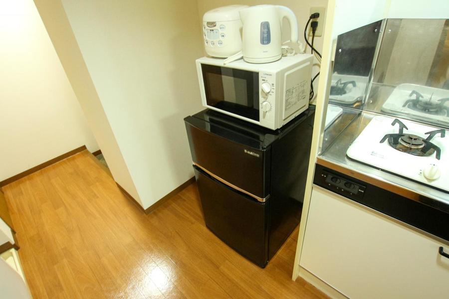 冷蔵庫や電子レンジなどの家電類はお料理中にすぐ届く場所に設置しています