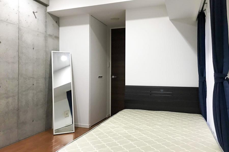 お部屋入口にはクローゼット完備。荷物もすっきりしまえます