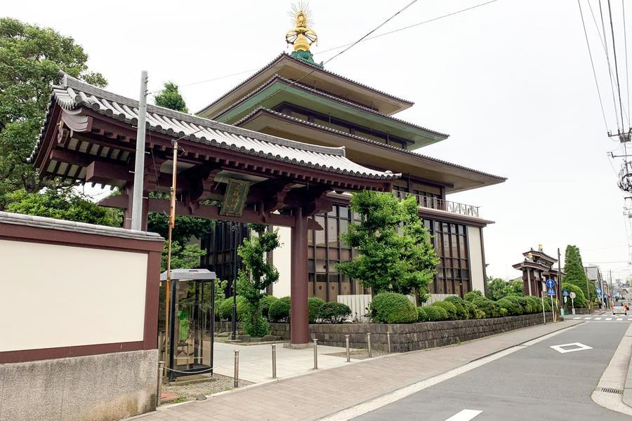 周辺には川崎大師の通称で知られる平間寺があります