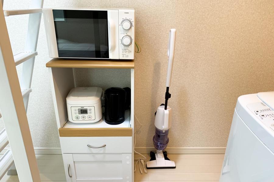 レンジや炊飯器などの家電類は使いやすく1箇所に集約