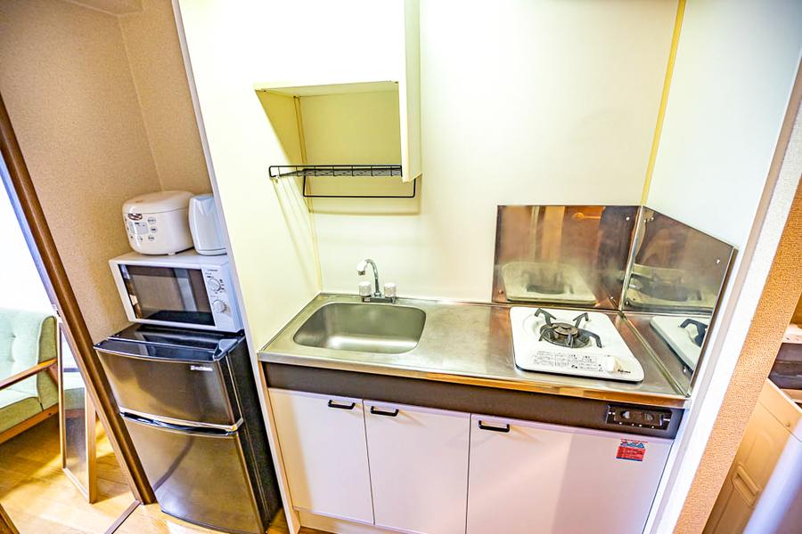 作業スペースもしっかり取られたキッチン。安定火力のガスコンロタイプです