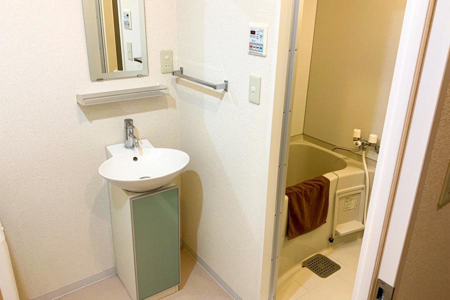 洗面台はデザイン性の高いスッキリとしたつくり