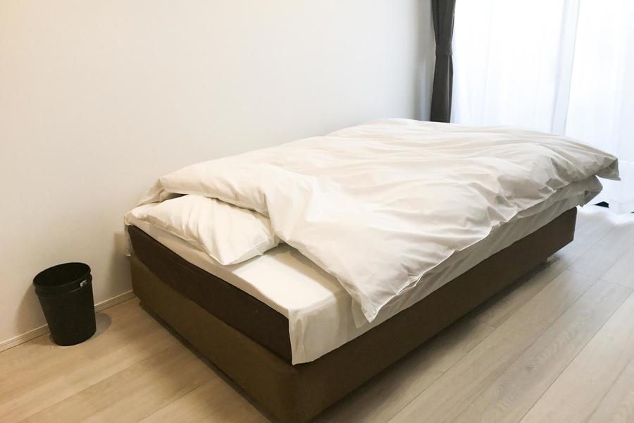 ゆったりおくつろぎいただけるよう、ベッドはセミダブルサイズをご用意