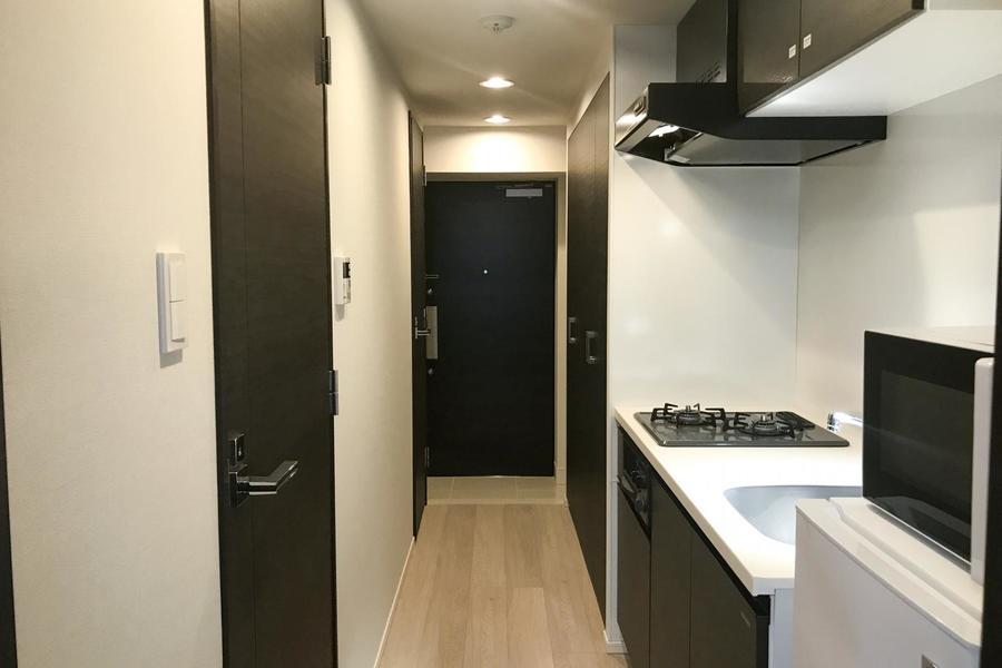 キッチン横にはたっぷり収納のクローゼットを設置