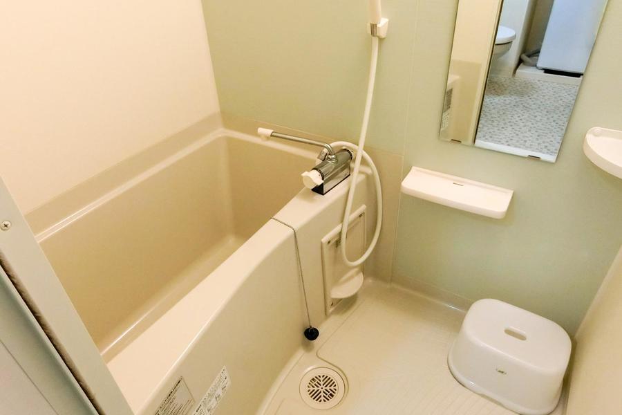 お天気を気にすることなく洗濯物ができる浴室乾燥機能付き!