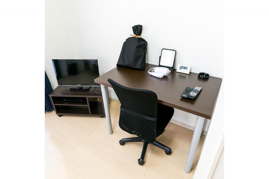 ビジネス、お食事、デスクワークと幅広くお使いいただけるデスクセット