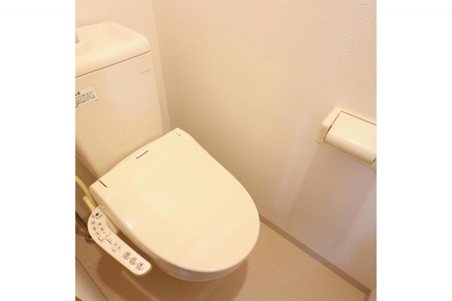 衛生面が気になるお手洗いは人気のシャワートイレ