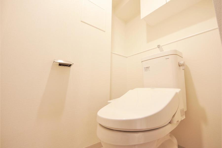 白を基調としたお手洗い。清潔感があります