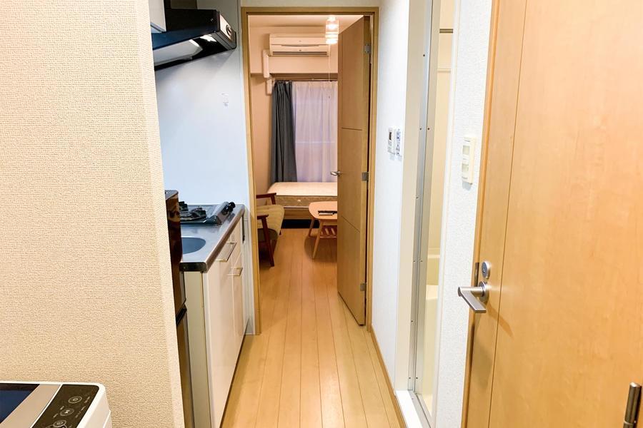 玄関からお部屋までひと続きのフローリング。段差がなく安心です