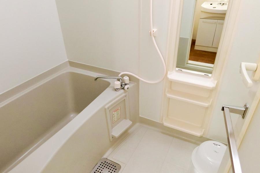 お風呂は洗い場スペースも確保されゆとりのある広さ