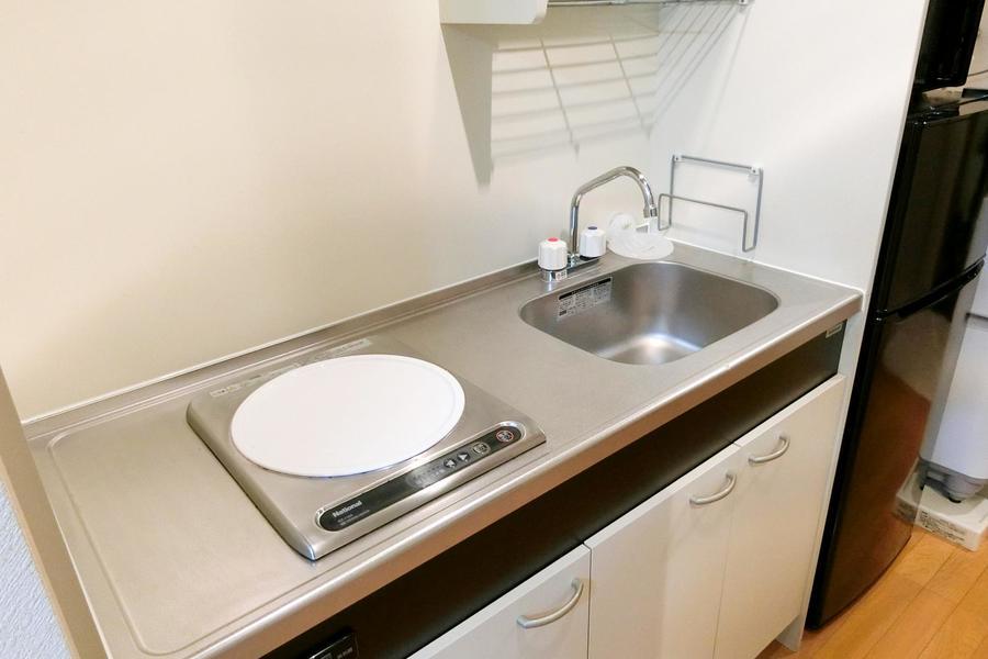幅広めに取られたキッチンは動きやすく使いやすい構造