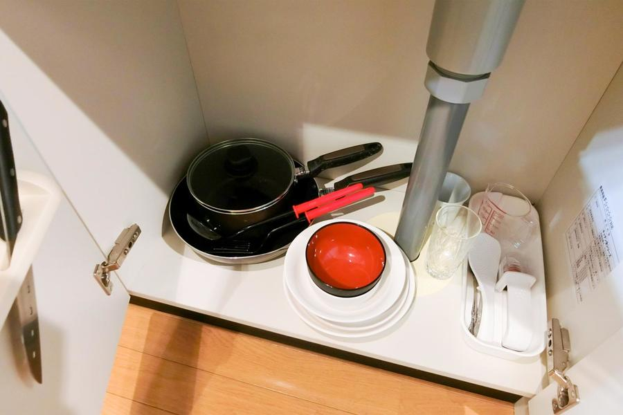 もちろん食器類も各種設置。お荷物一つでご入居いただけます