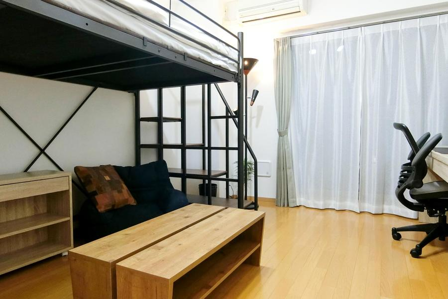 もうひとつのロフトベッドルームは「木」のあたたかさをテーマにしたお部屋