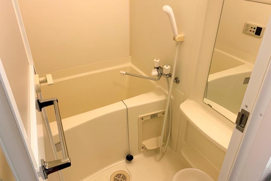 お風呂は洗い場もしっかり確保されており、ゆとりがあります
