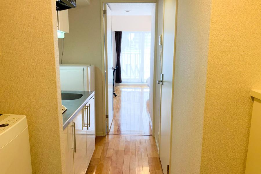廊下部には仕切り扉が設置。開けて開放的に、閉めてプライベート空間にとお使いいただけます