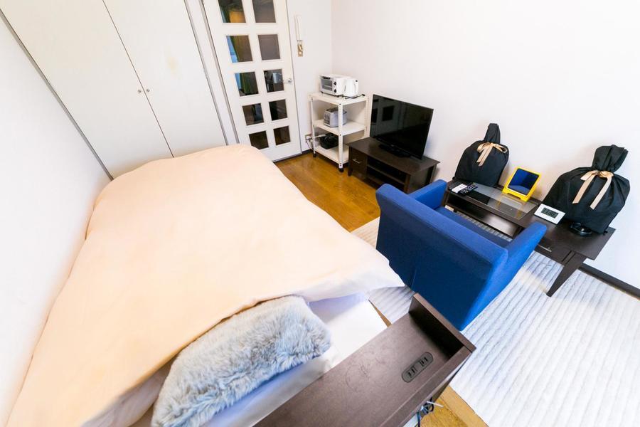 シンプルなお部屋はビジネスでのご滞在、一人暮らしのお試しなど様々な用途にマッチ