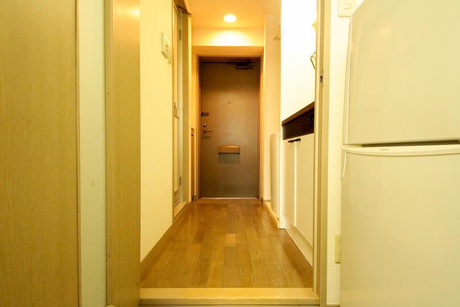 廊下にも室内と同じフローリングを使用し統一感アップ