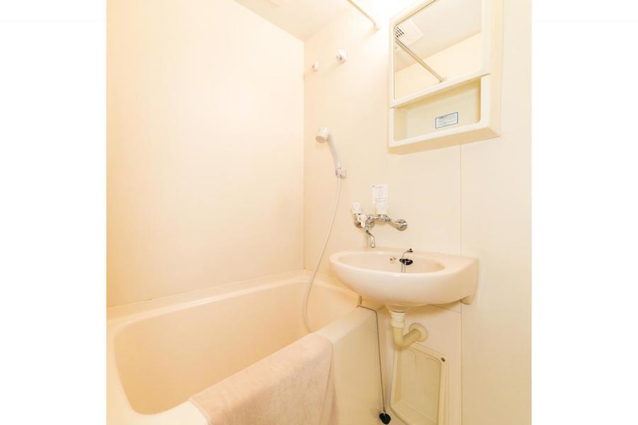 癒やしの一時をお過ごしいただけるバスルームは、浴室乾燥機能付の優れもの!