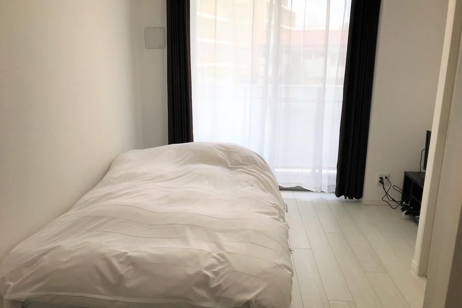 シンプルなお部屋でご自宅のようにくつろいでいただけます