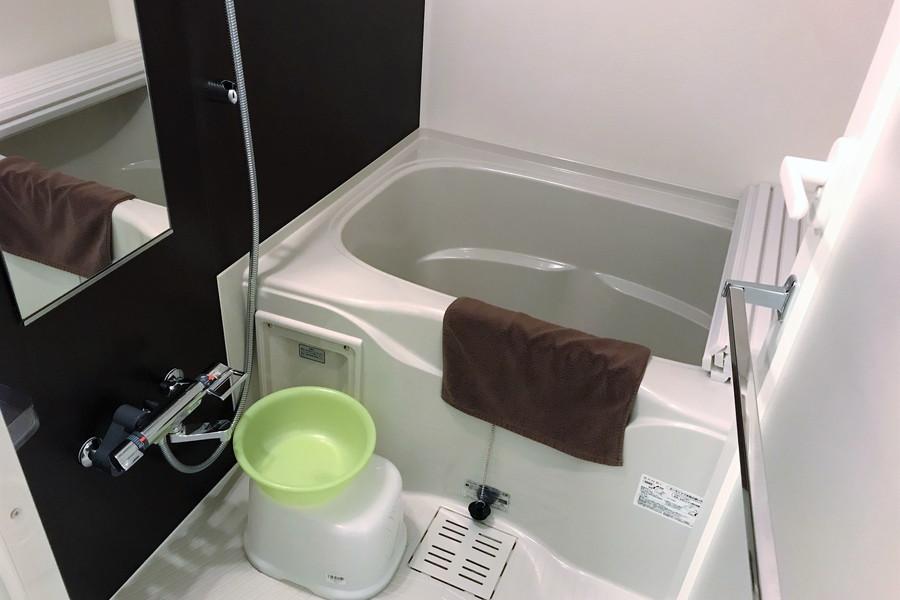 ゆったり過ごせるバスルーム。嬉しい浴室乾燥機搭載