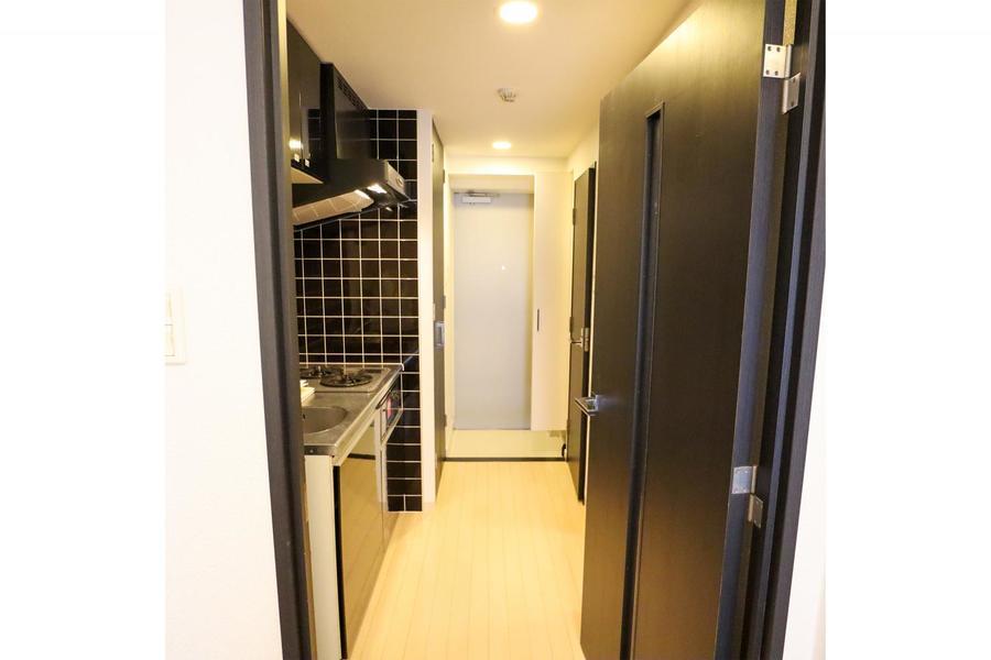 お部屋と廊下は同一のフローリングを採用し統一感アップ