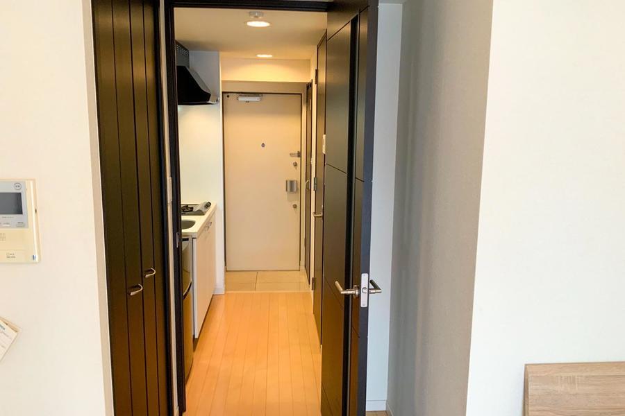 お部屋には仕切り扉が設置。不意の来客時もプライバシーが確保できます