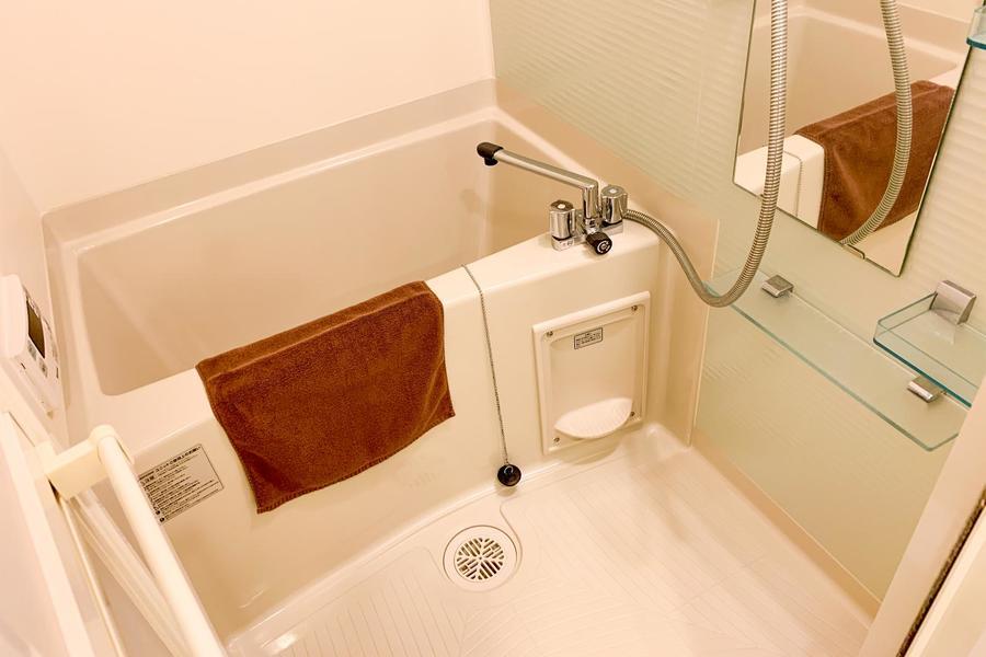 毎日の疲れを癒やすバスルーム。浴室乾燥機能付きです