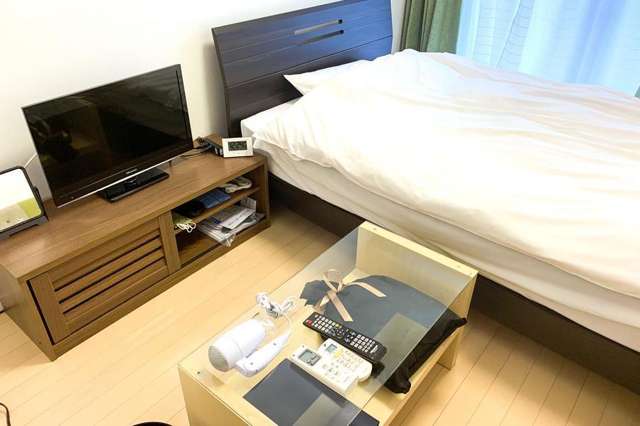 ベッドをはじめ、テレビやテーブルなど各種家具類をご用意しています