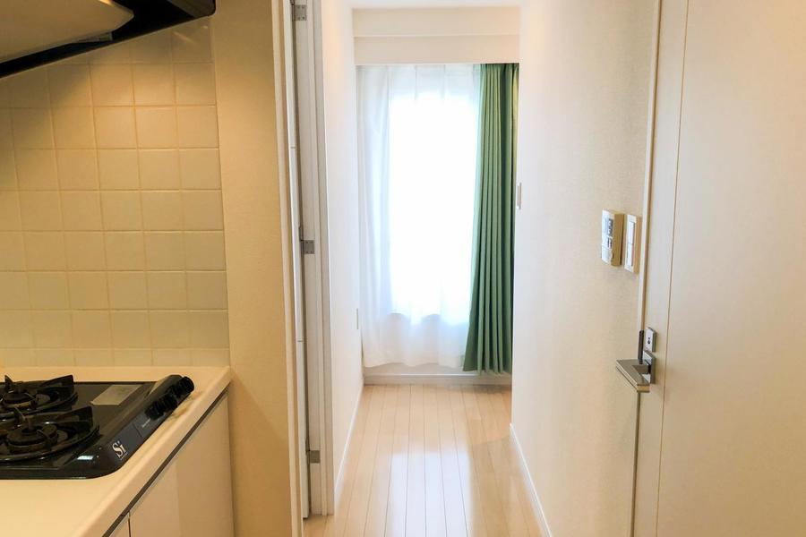玄関からお部屋が視界に入ることはないため、プライバシーも安心