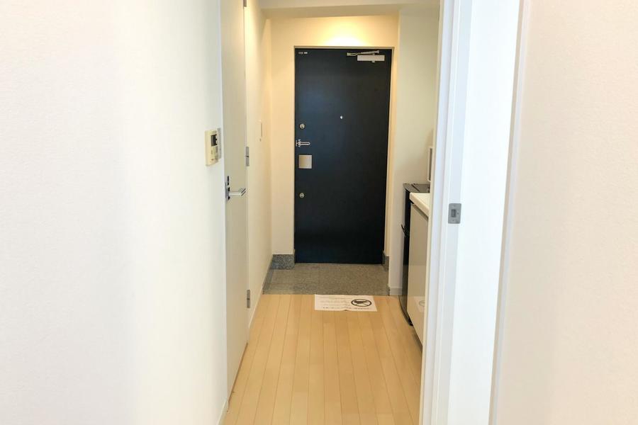 玄関にはシューズボックスを完備。また床面もフラットで移動もスムーズ